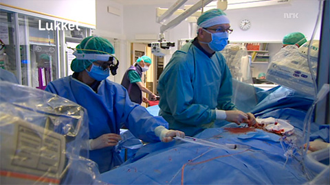 "The ""closed"" minimally invasive procedure. Screenshot from nrk.no."